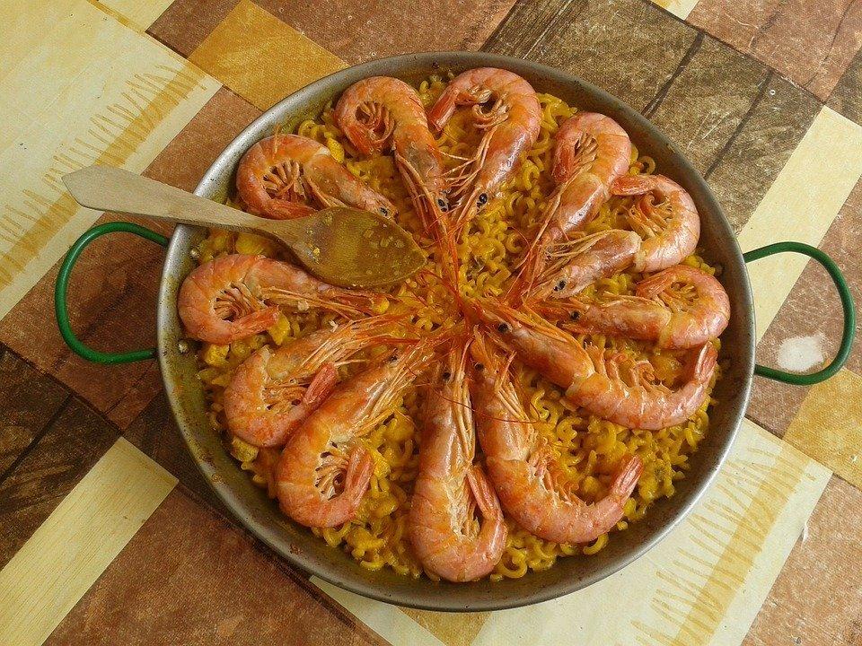 Popular Receta de la Fideuà de la Comunidad Valenciana