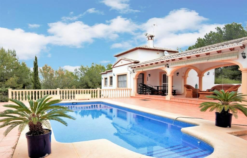 Hermosa Villa de 4 habitaciones y piscina privada