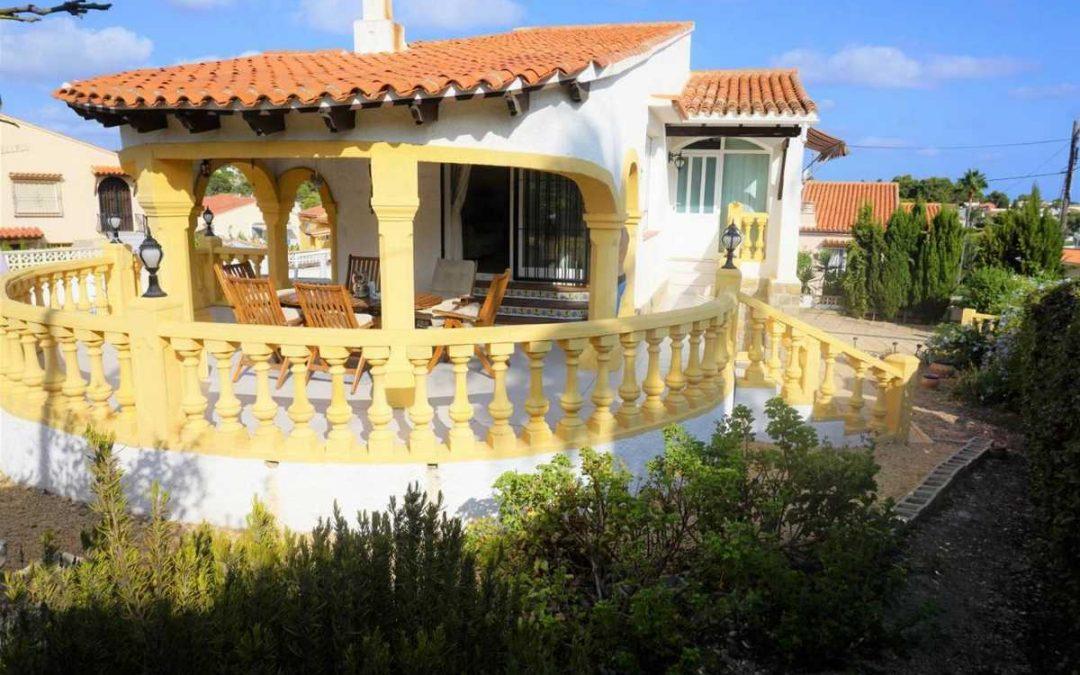 Bonita casa familiar en Calpe - Fachada