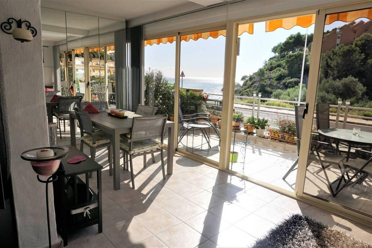 Amplio apartamento con vistas al mar