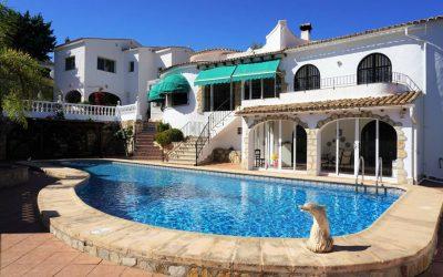 Gran casa con apartamento de invitados y piscina
