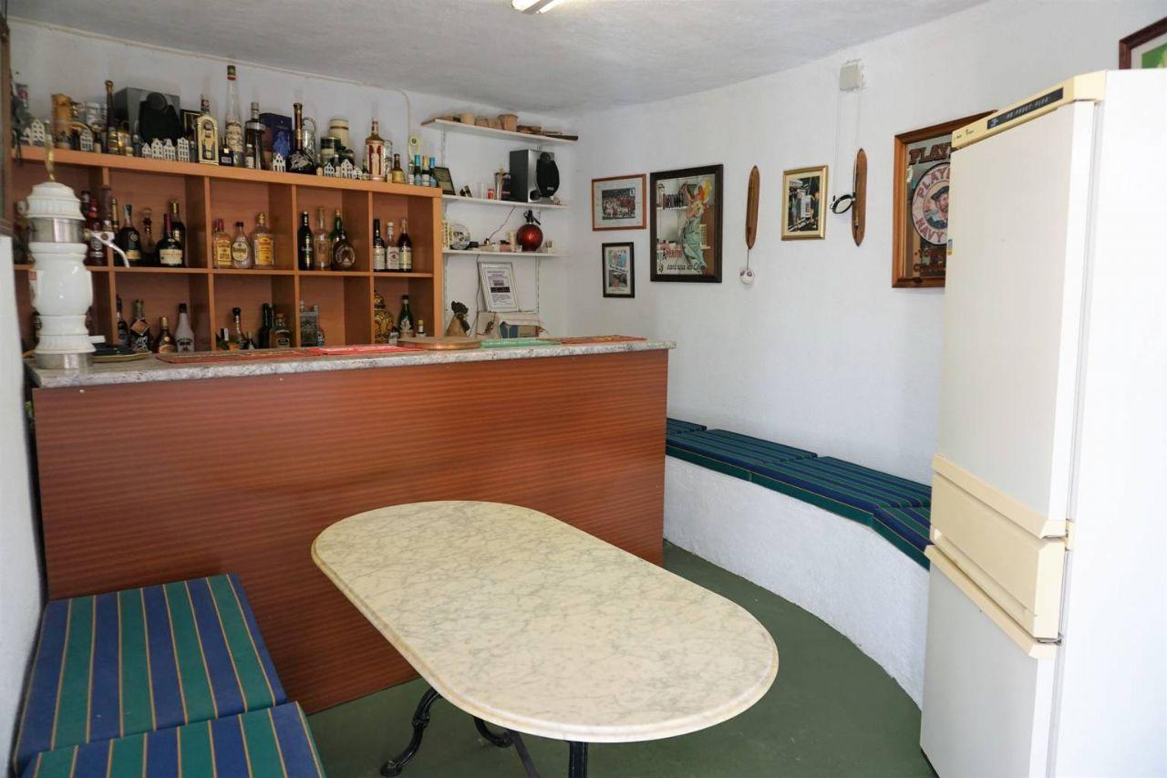 Zona de bar de la gran casa