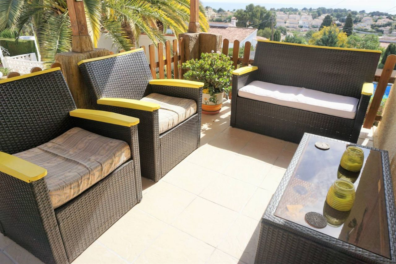Terraza de la Villa doble con piscina privada en Calp