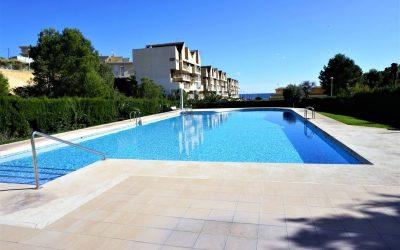 Apartamento reformado y con piscina comunitaria en Calp