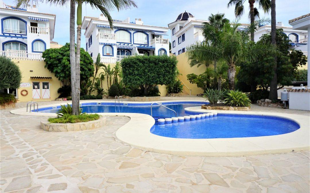 Bonito apartamento de 2 dormitorios y piscina comunitaria