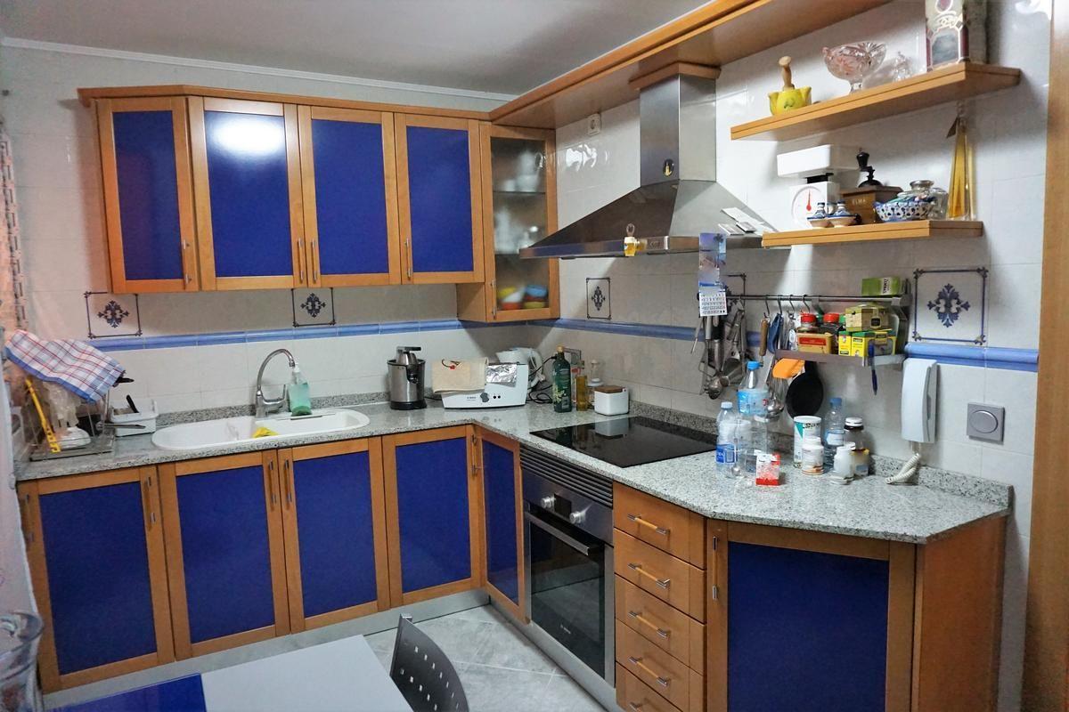Cocina independiente del céntrico apartamento de 4 dormitorios en Calpe